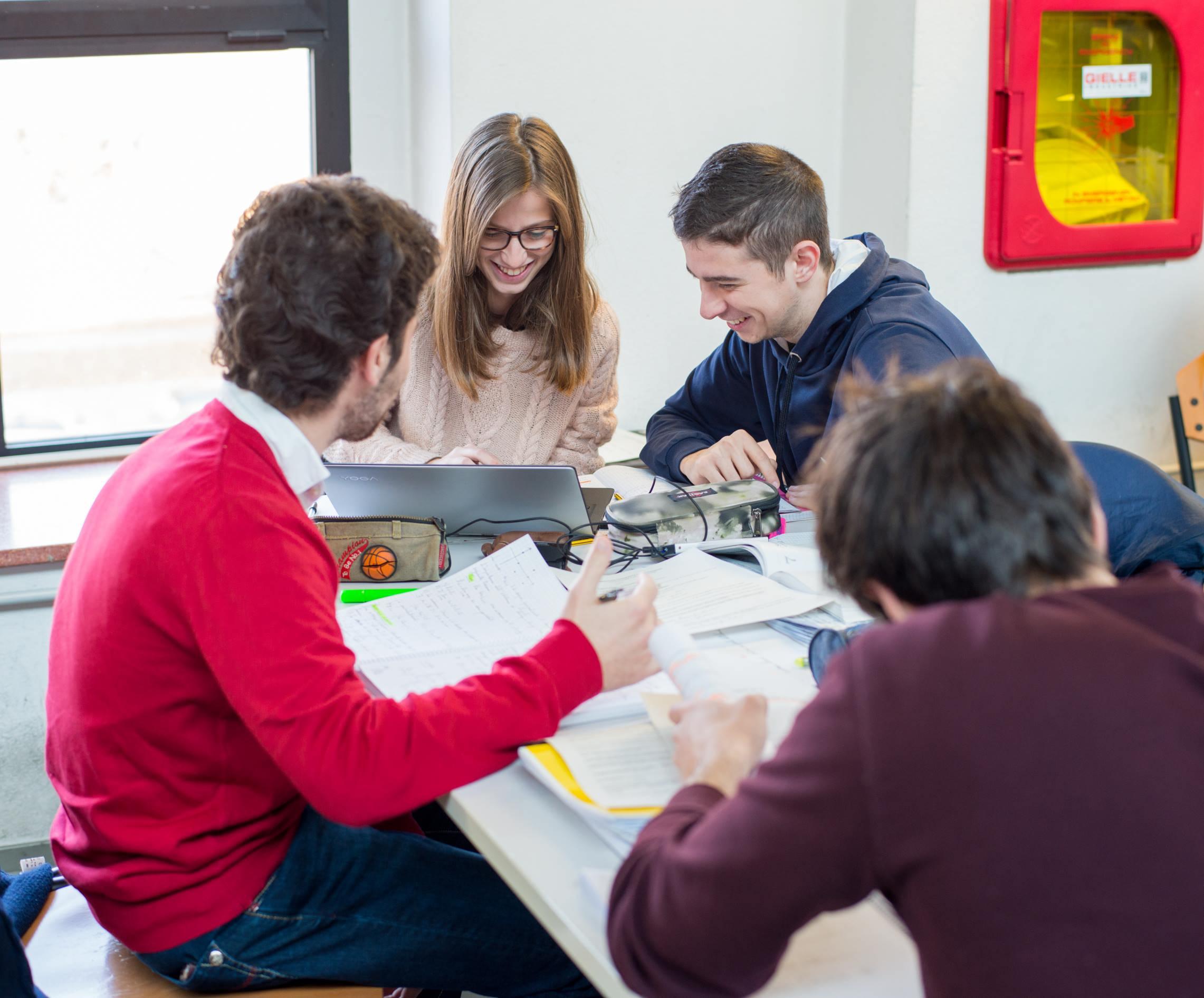 Almalaurea: occupazione e soddisfazione per il corso frequentato sopra la media per gli studenti DE