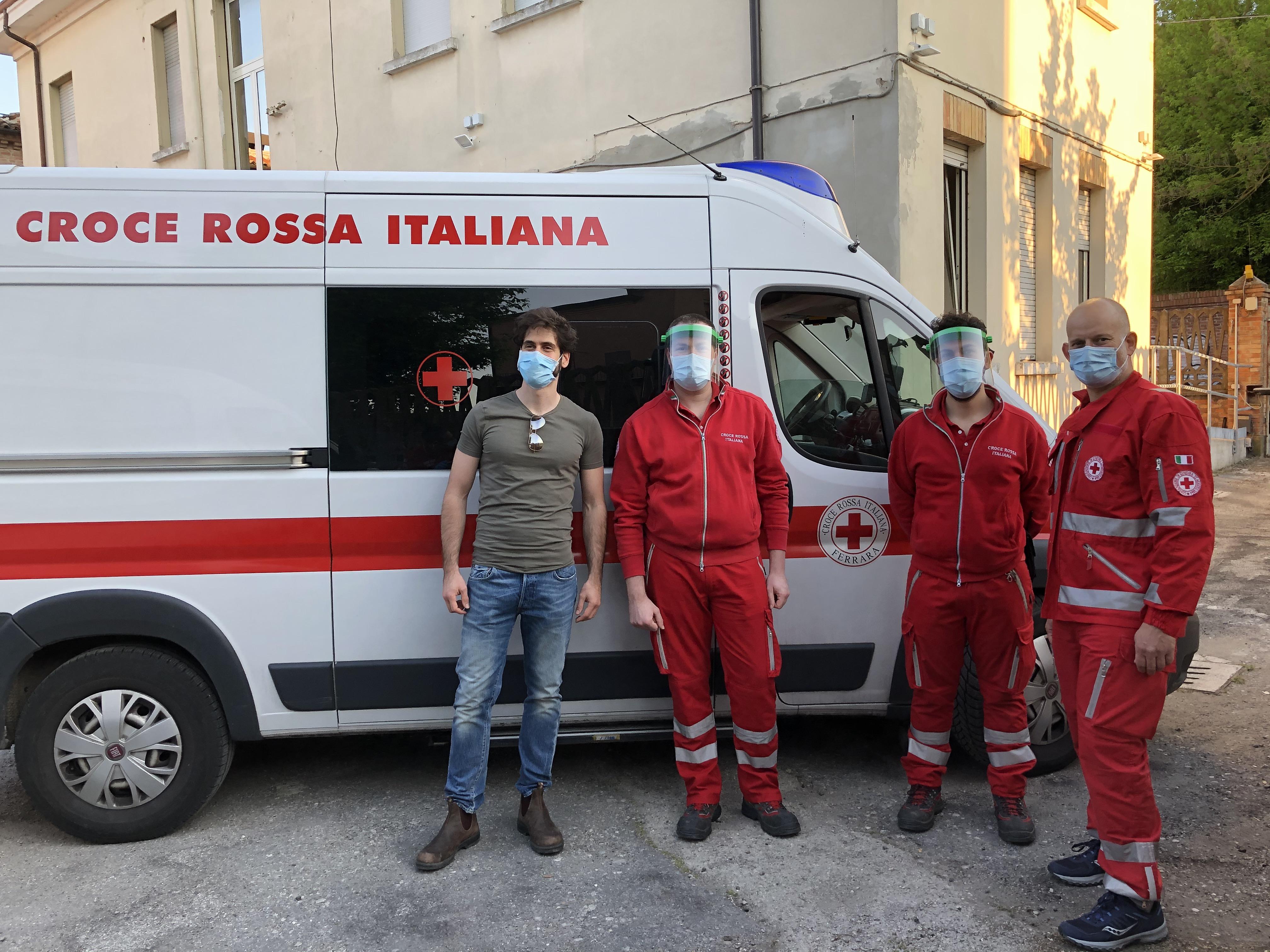 Dalla collaborazione tra studenti ed ex studenti del Dipartimento di Ingegneria di Unife e i propri docenti  le visiere ad hoc realizzate per la Croce Rossa